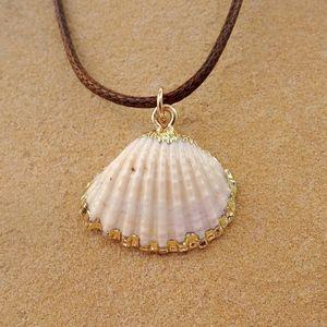 Jewelry - Small Clam Shell Boho Beach Ocean Charm Necklace